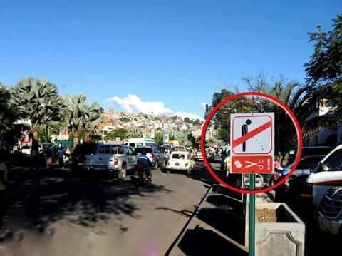 https://www.madablog.com/wp-content/uploads/2016/09/CUA-Antananarivo-panneau-pipi.jpg